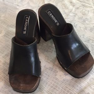 Candie's black leather clogs